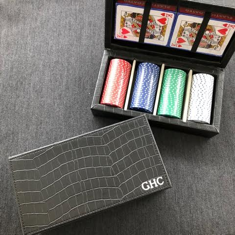 CROC STYLE POKER SET - Out of the Box NY Gifts