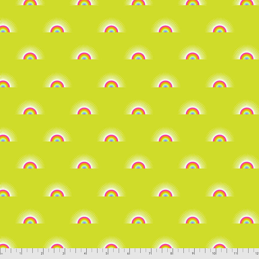 Manufacturer: FreeSpirit Fabrics Designer: Tula Pink Collection: Daydreamer Print Name: Sundaze in Pineapple Material: 100% Cotton  Weight: Quilting  SKU: PWTP176.PINEAPPLE Width: 44 inches