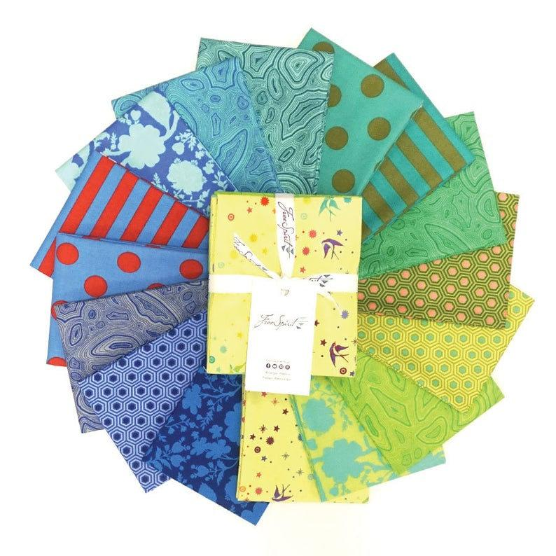 This Factory Cut FAT QUARTER bundle contains 16 quilting cotton prints from the Starling Colorway of True Colors by Tula Pink for Freespirit Fabrics.  Manufacturer: FreeSpirit Fabrics Designer: Tula Pink Collection: True Colors in Starling Colorway Material: 100% Cotton  Weight: Quilting