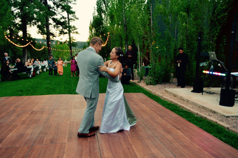 First dance - Sweet Wedding - DIY wedding planning - September 2016 - Cabins on Strawberry Hill - Arizona - picture by owners of Silverrose Bakery