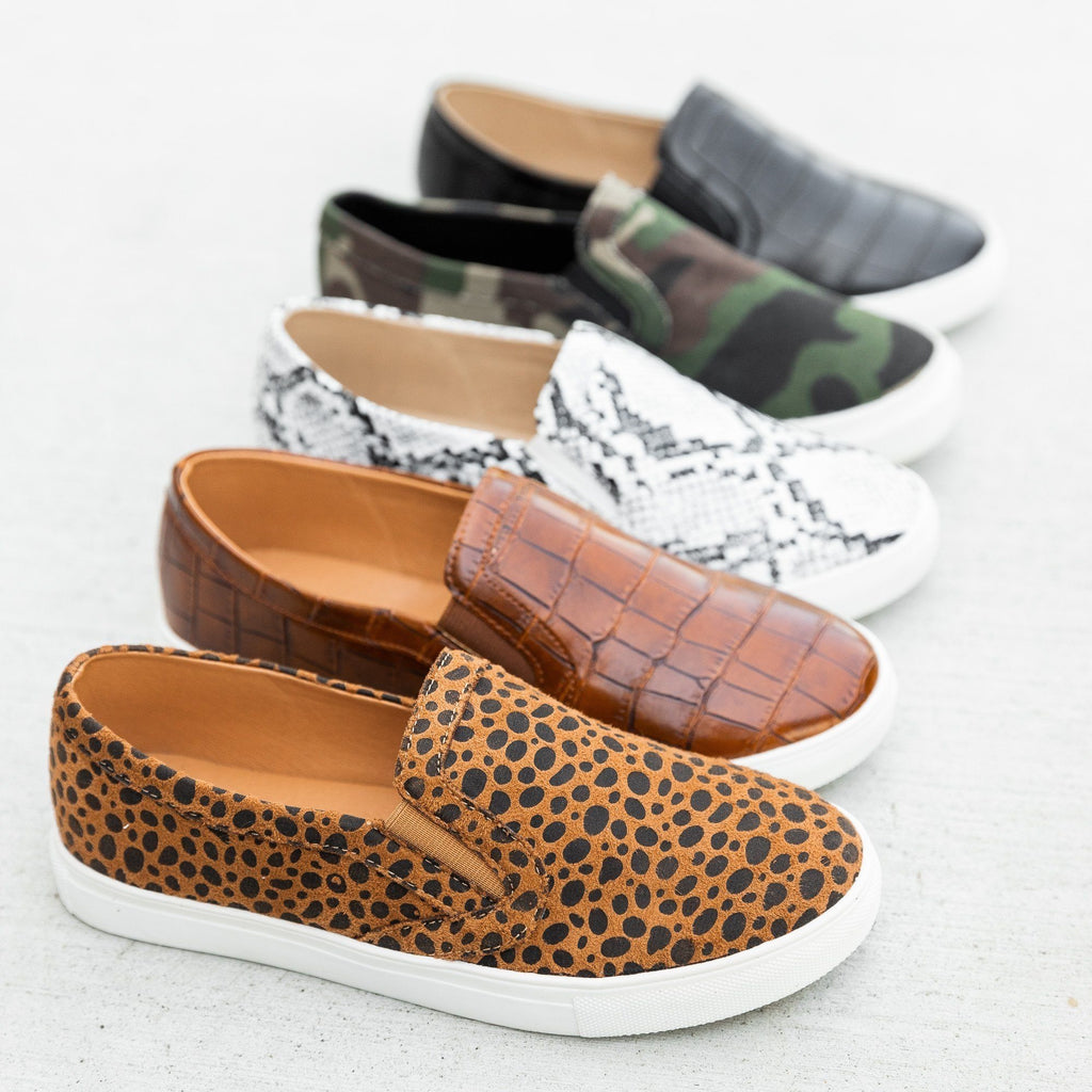 Womens Animal Print Slip On Sneakers - Mata