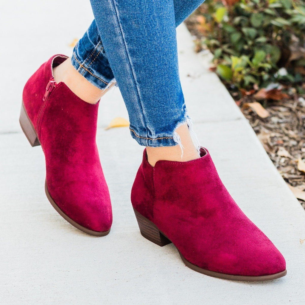 Womens Basic Ankle Bootie - Refresh