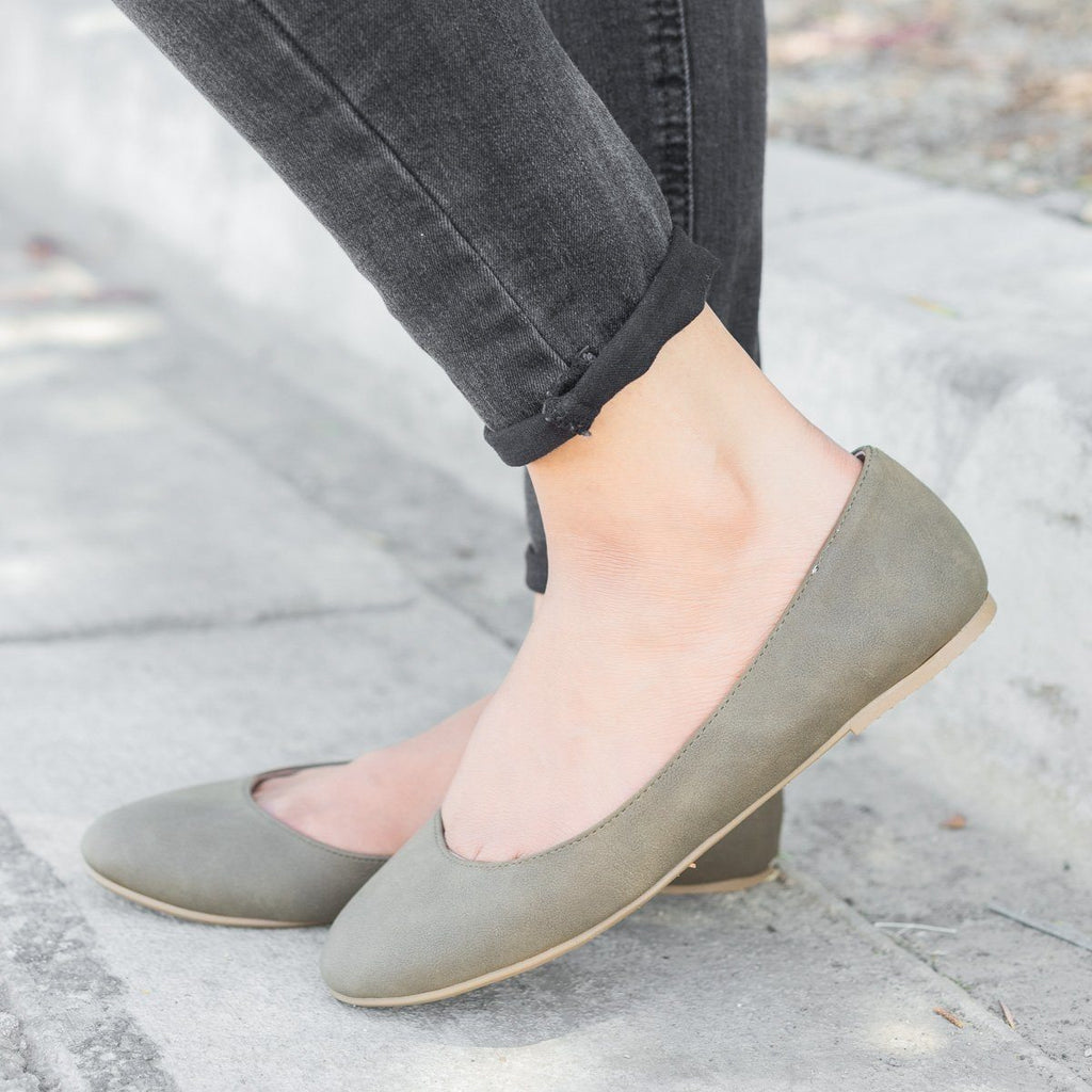 Womens Basic Ballet Flats - City Classified Shoes