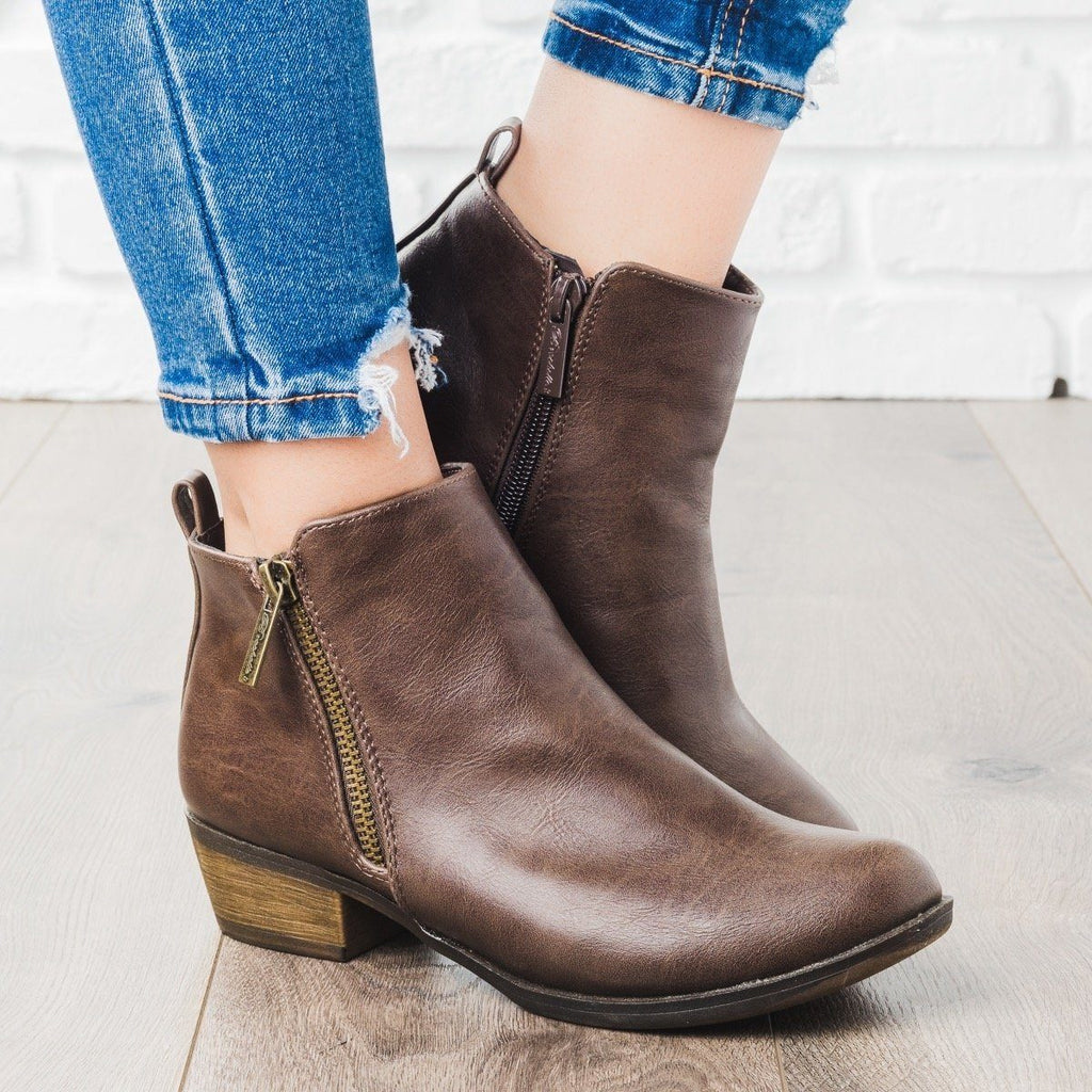 Womens Basic Zipper Ankle Booties - Breckelles