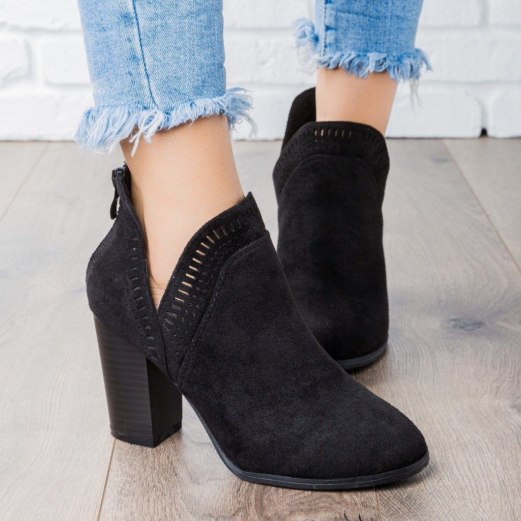 Womens Beautiful Closed Toe Laser-Cut Booties - Refresh - Black / 5