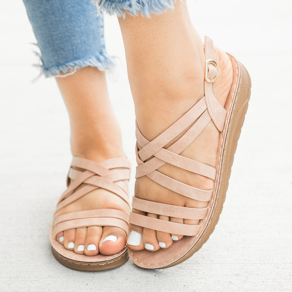 Womens Beautiful Strappy Sandals - Forever