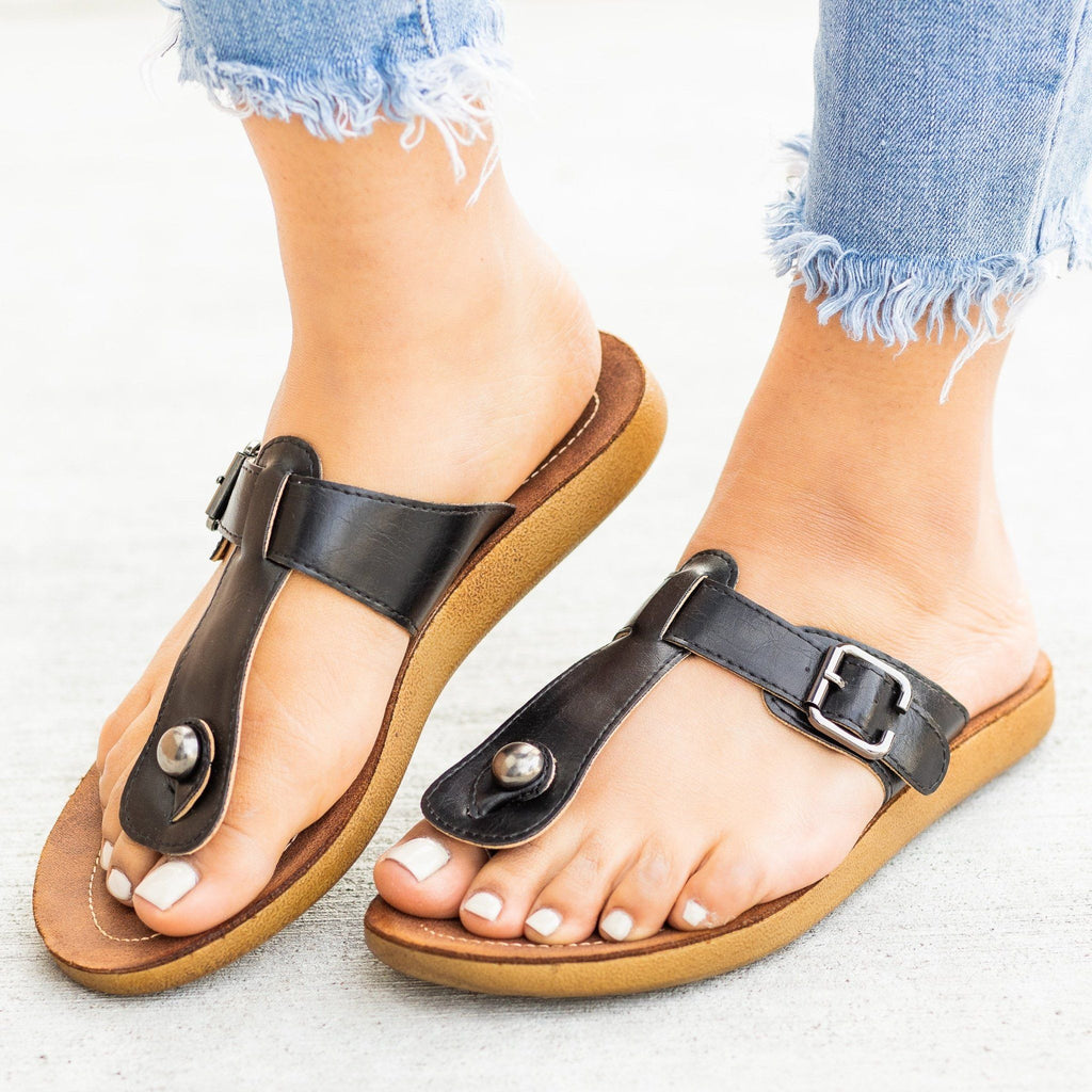 Womens Belt Buckle Thong-Toe Sandals - Forever - Black / 5