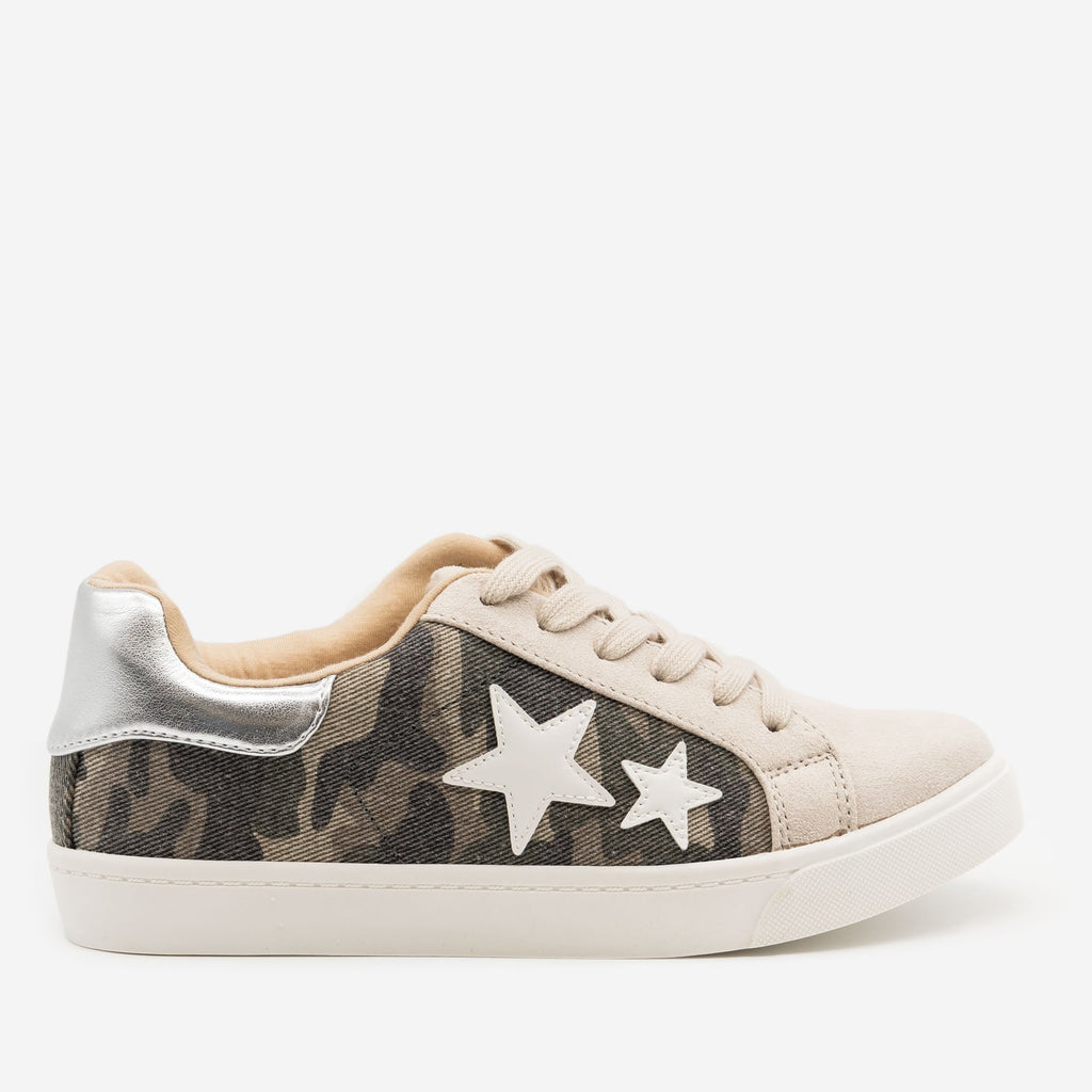 Women's Camo Lace-Up Star Sneakers - Soda Shoes - Camo Multi / 5