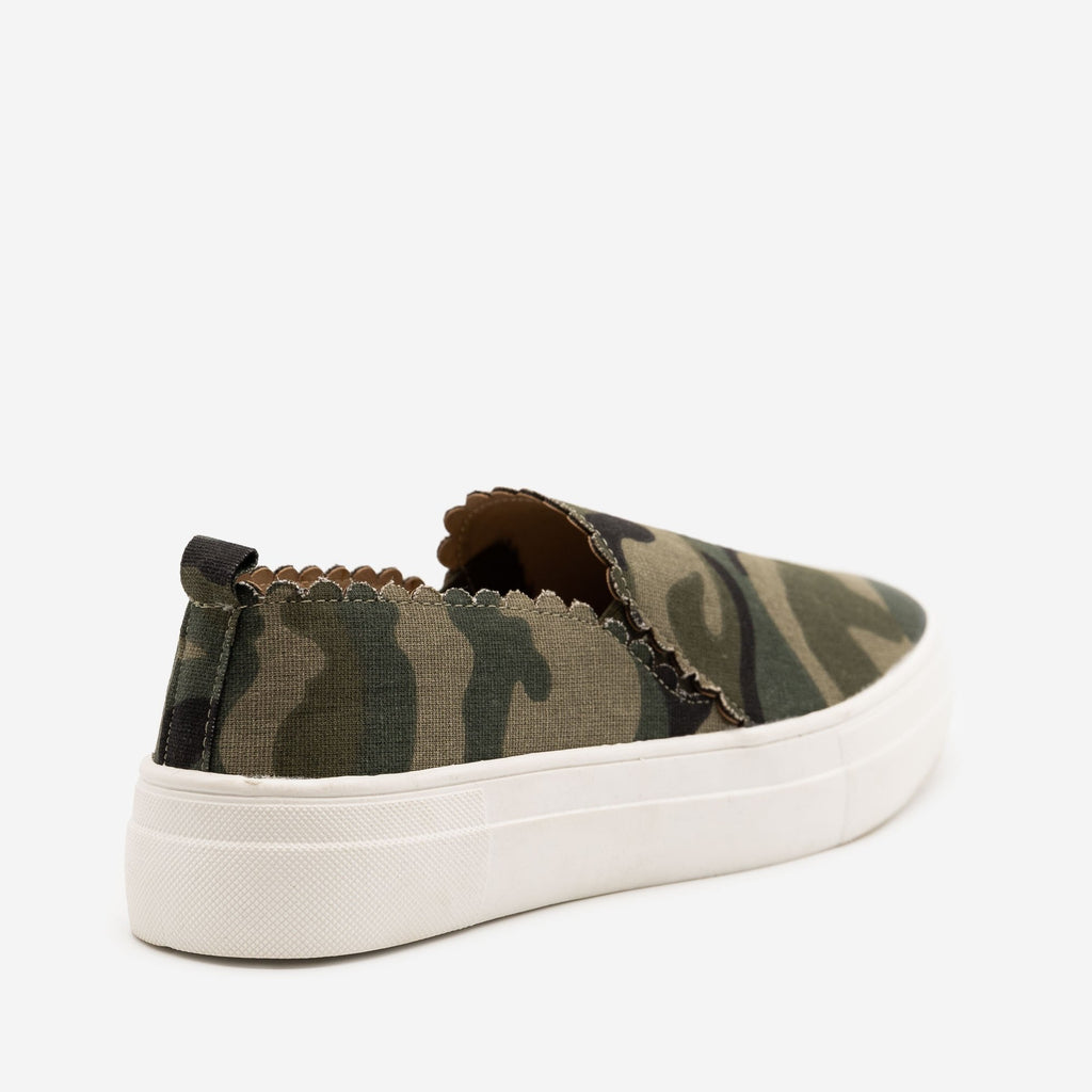 Women's Camo Scalloped Edge Sneakers - Mata
