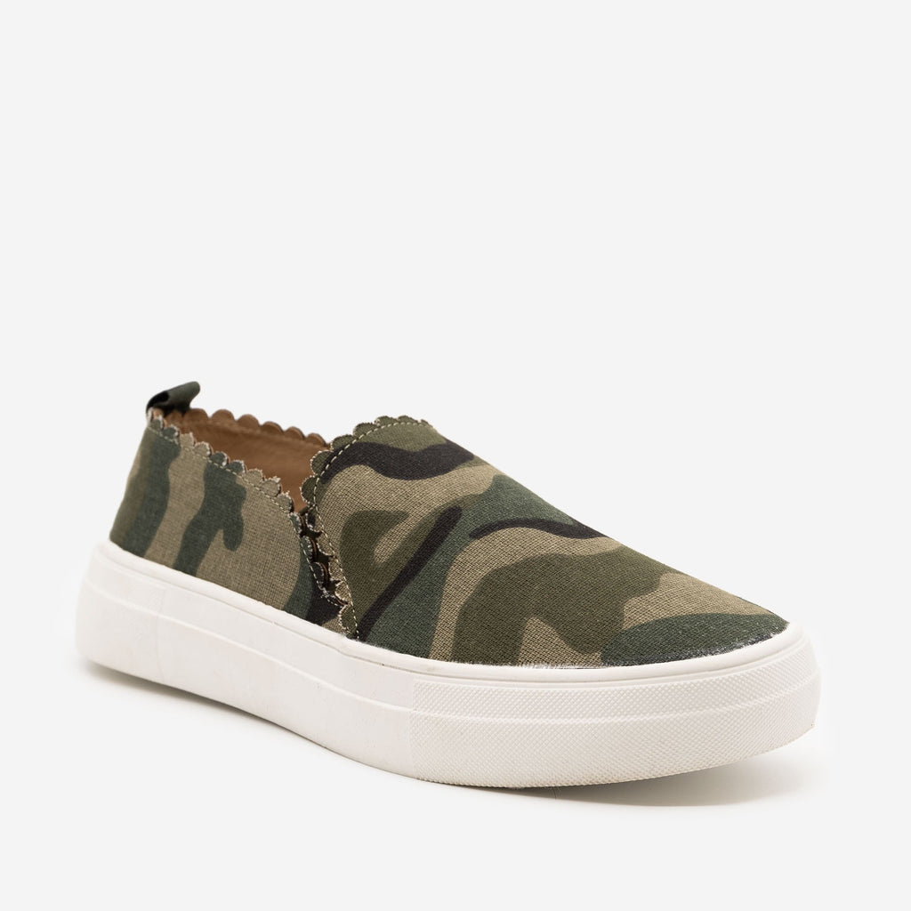Women's Camo Scalloped Edge Sneakers - Mata - Camo / 5
