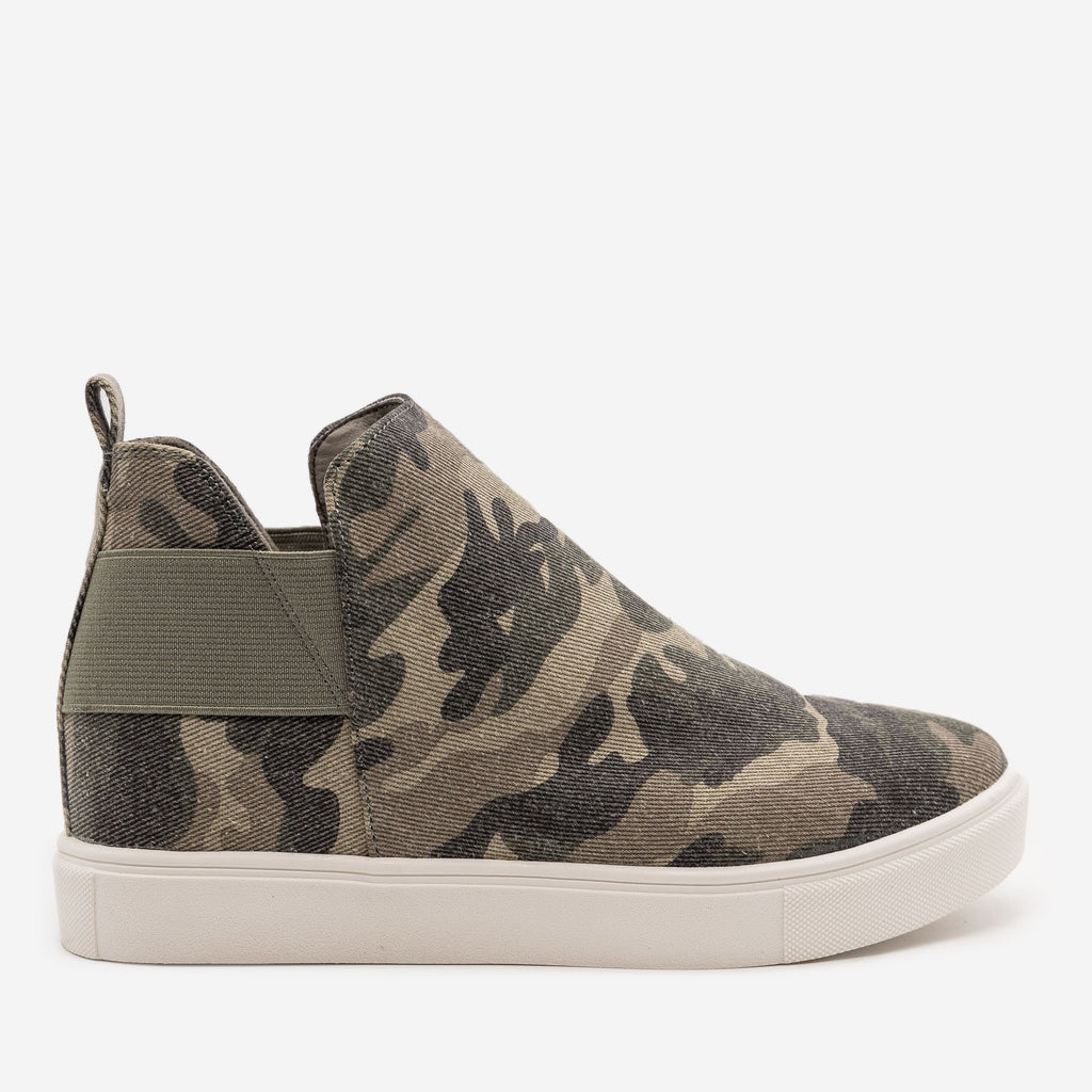 Women's Camo Slip On Wedge Sneakers - Soda Shoes - Camo / 5