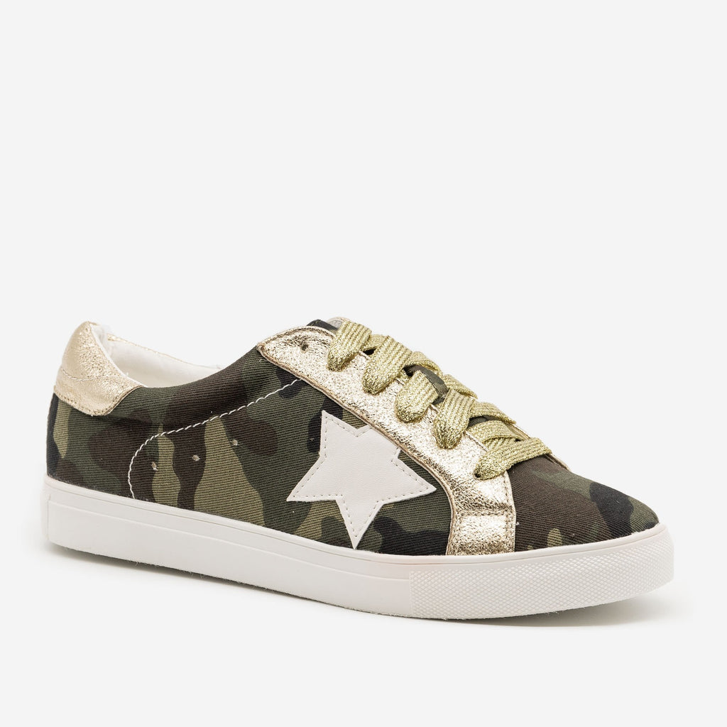 Women's Camo Star Decal Fashion Sneakers - Forever