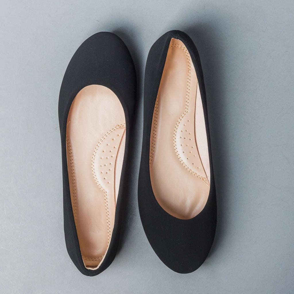 Womens Chic Everyday Flats - Forever - Black / 6