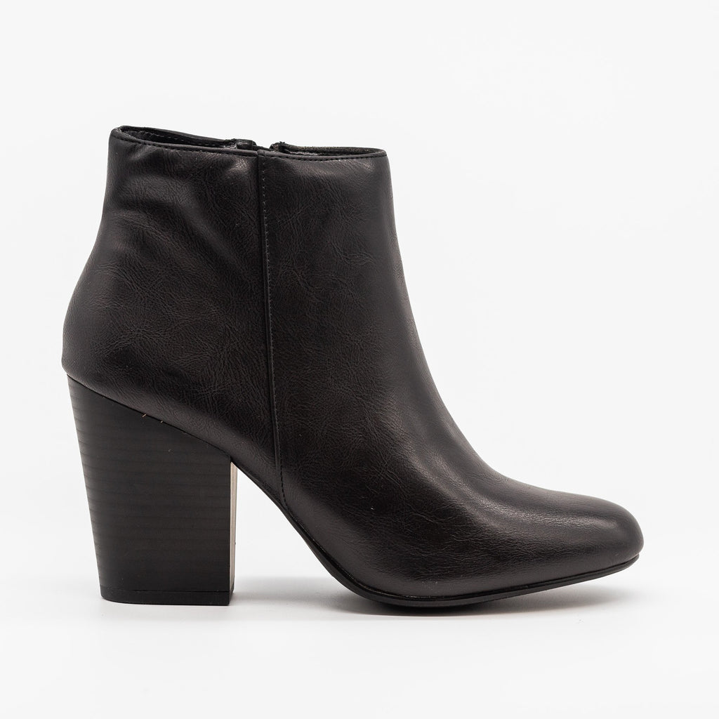 Womens Chic Minimalist Ankle Booties - Delicious Shoes - Black / 5