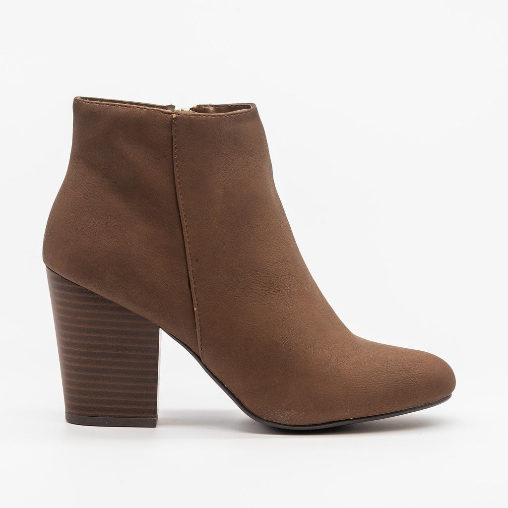Womens Chic Minimalist Ankle Booties - Delicious Shoes - Light Brown / 5