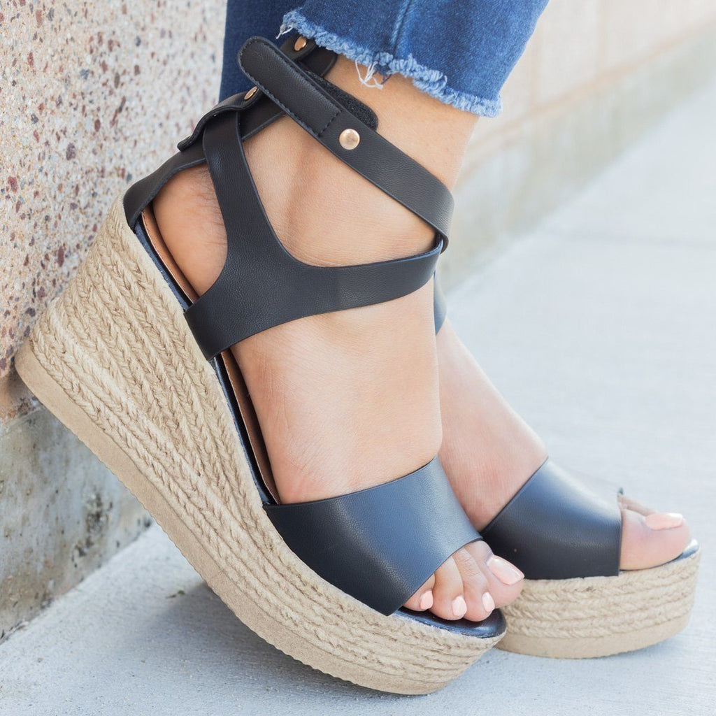 Womens Chic Open Toe Wedges - Refresh - Black / 5
