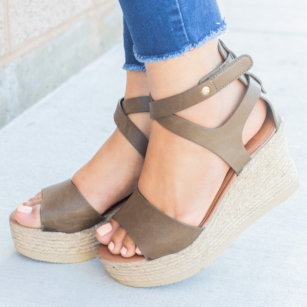Womens Chic Open Toe Wedges - Refresh - Mocha / 5