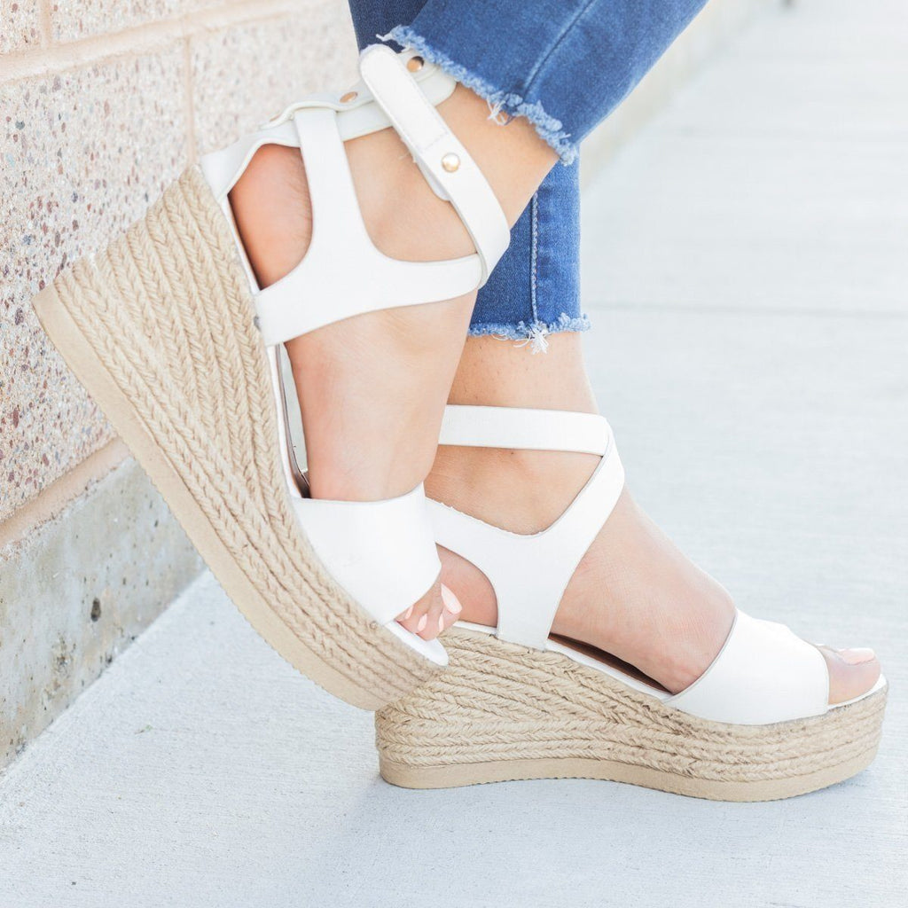 Womens Chic Open Toe Wedges - Refresh - White / 5