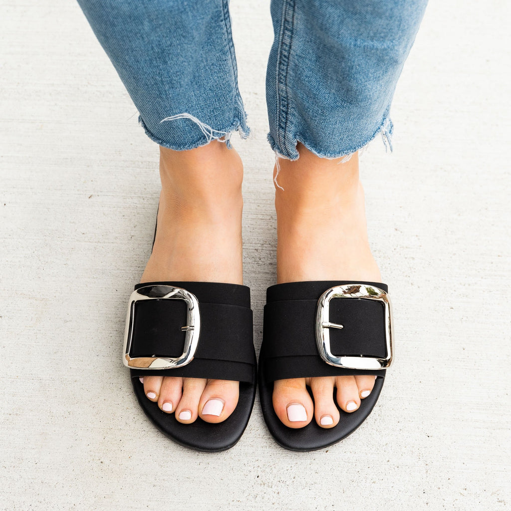 Women's Chic Oversized Buckle Sandals - Mixx Shoes