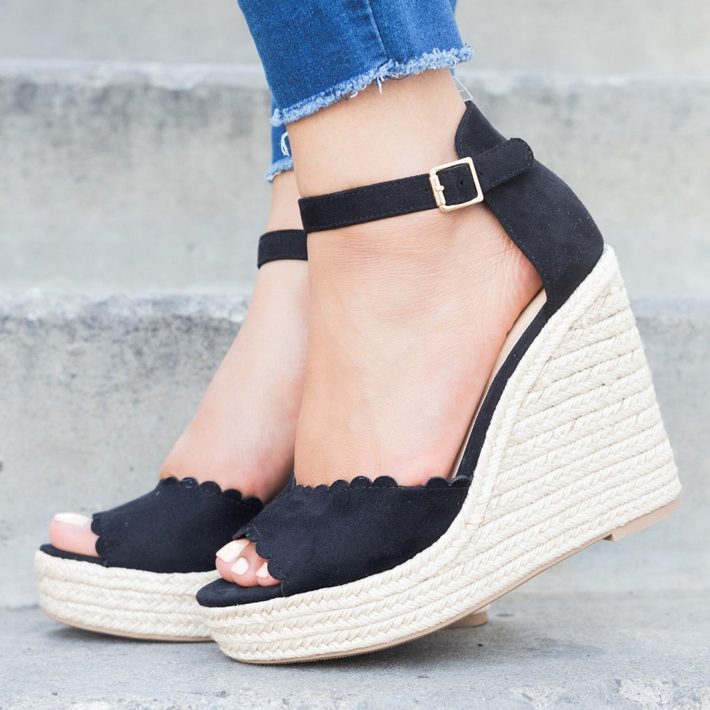Womens Chic Scalloped Espadrille Wedges - Delicious Shoes - Black / 5