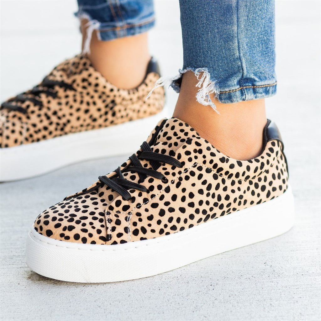 Womens Chic Spotted Leopard Platform Sneakers - Qupid Shoes - Tan Black Leopard / 5