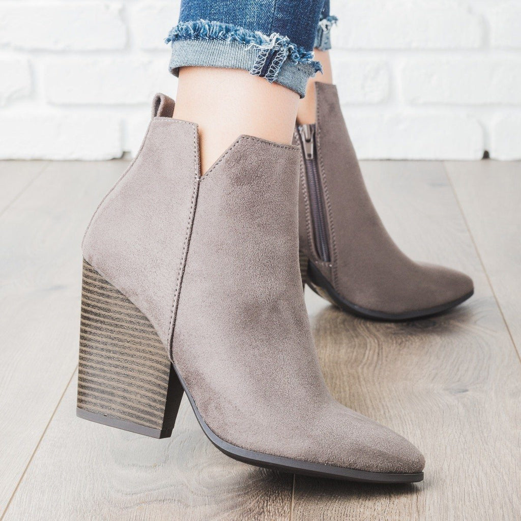 Womens Classic Chunky Heel Ankle Bootie - Delicious Shoes