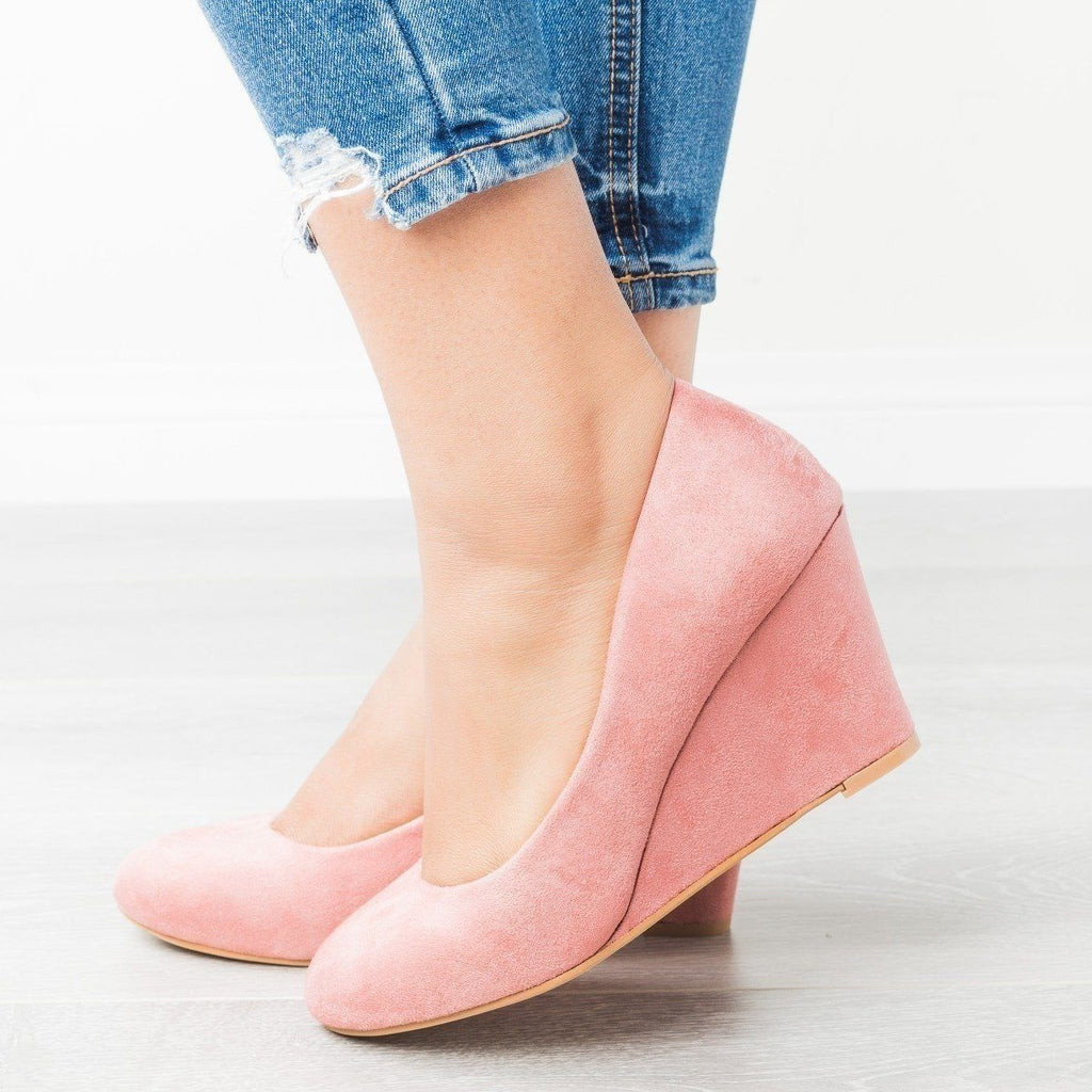 Womens Classic Closed-Toe Wedges - Bella Marie - Mauve / 9