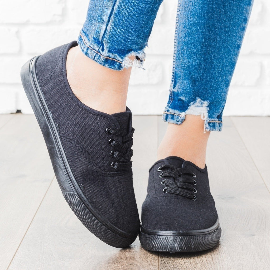 Womens Classic Lace-Up Fashion Sneakers - Unbranded/Generic - Black / 5