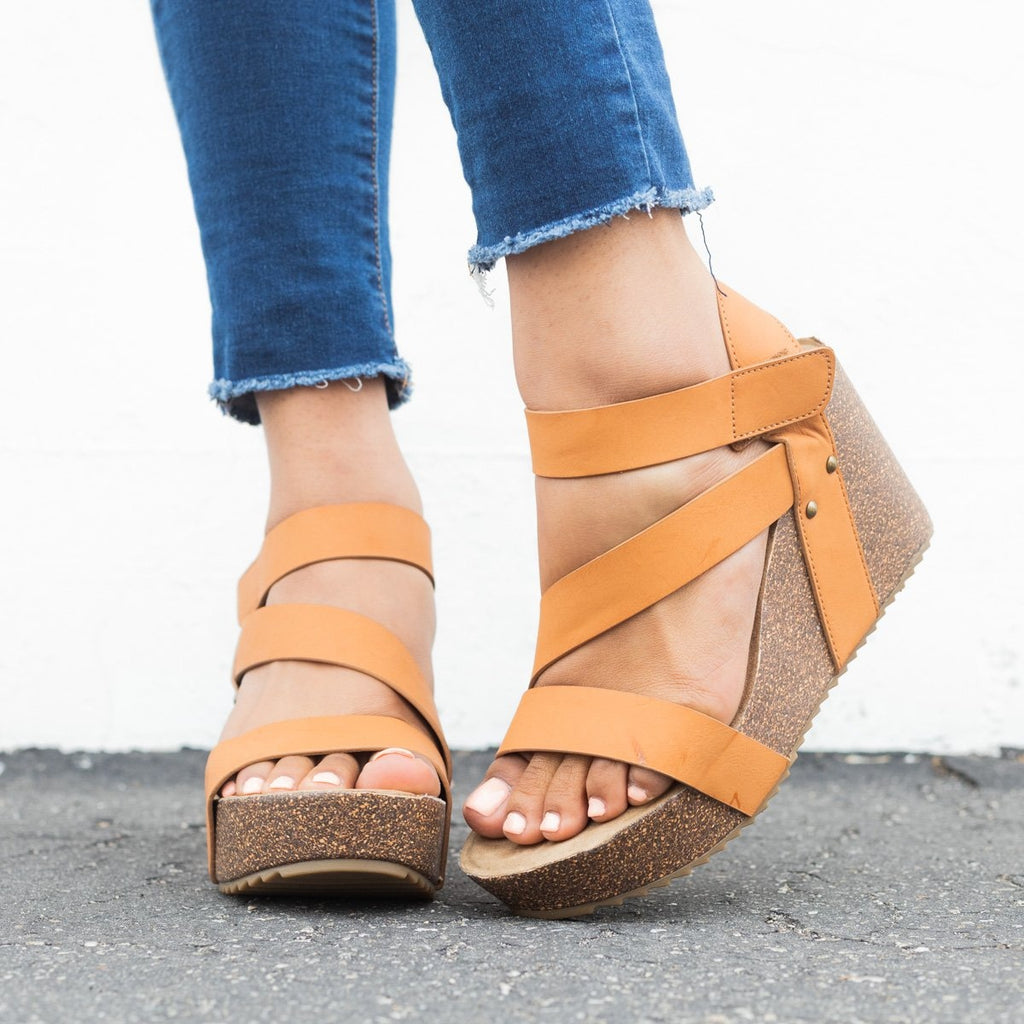 Womens Comfy Insole Strappy Wedges - Comfy Soles - Tan / 5