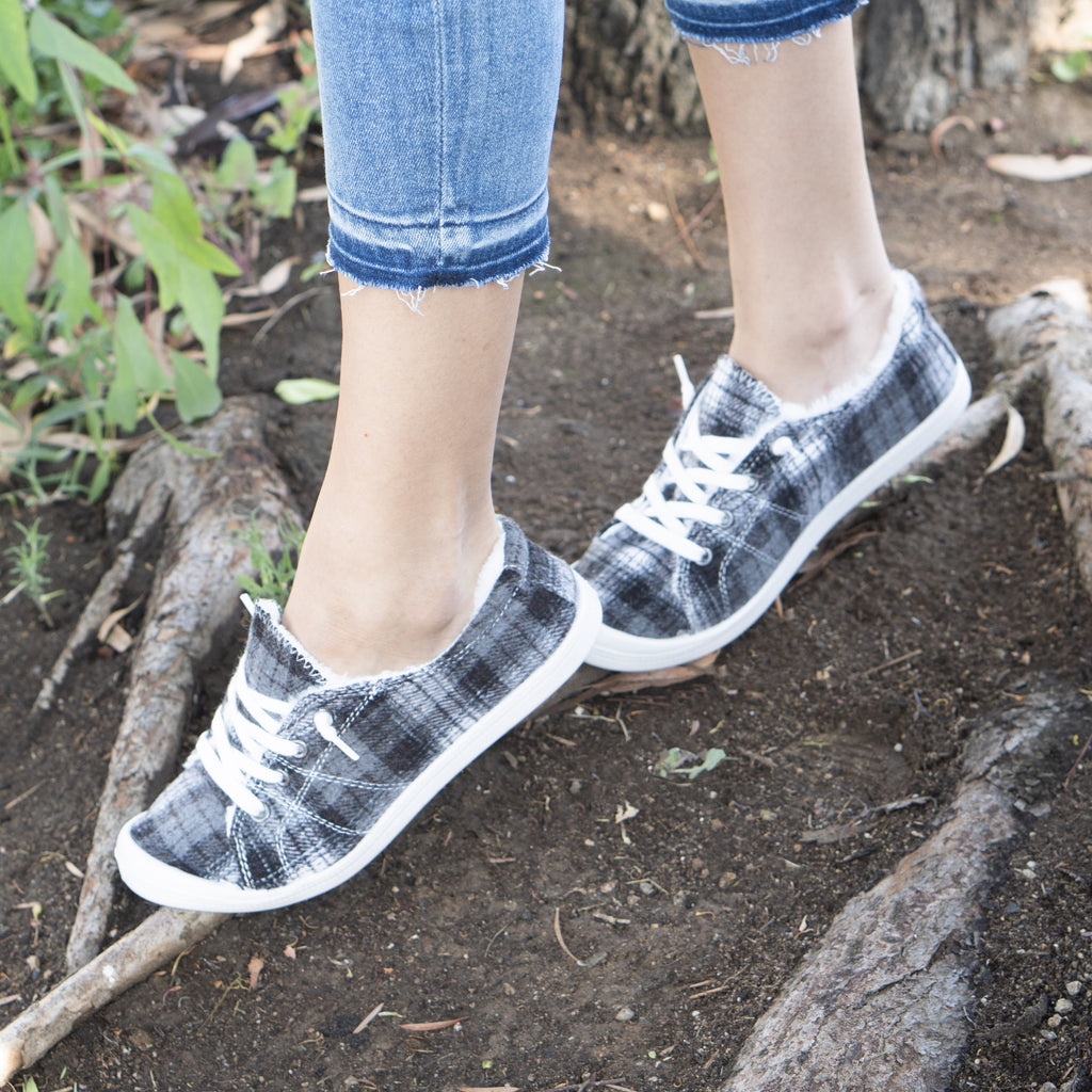 Women's Comfy Plaid Slip-On Sneakers - Forever - Black Plaid / 5
