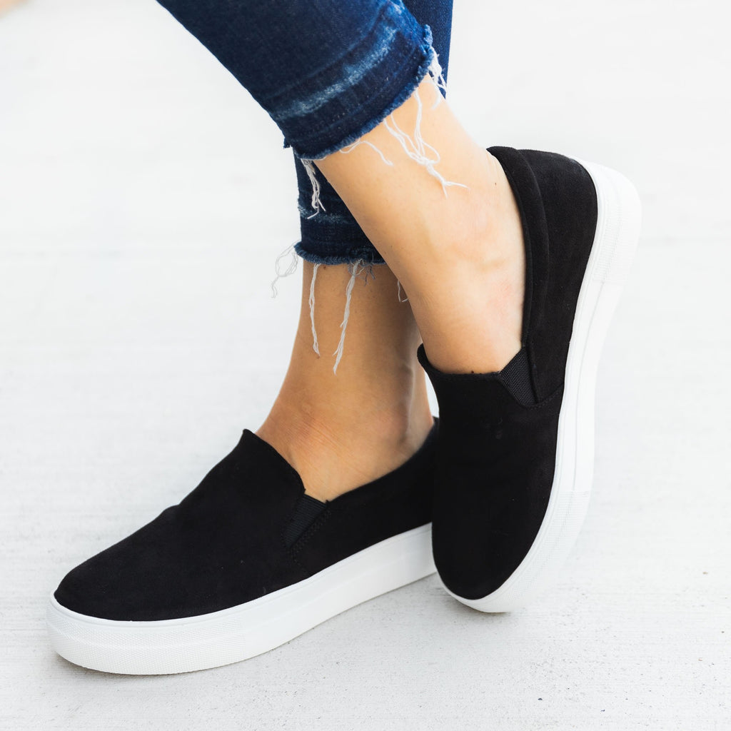 Women's Comfy Slip-on Sneakers - Soda Shoes - Black / 5