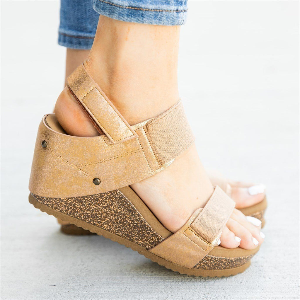 Womens Comfy Stretchy Sandal Wedges - Bamboo Shoes - Gold / 5