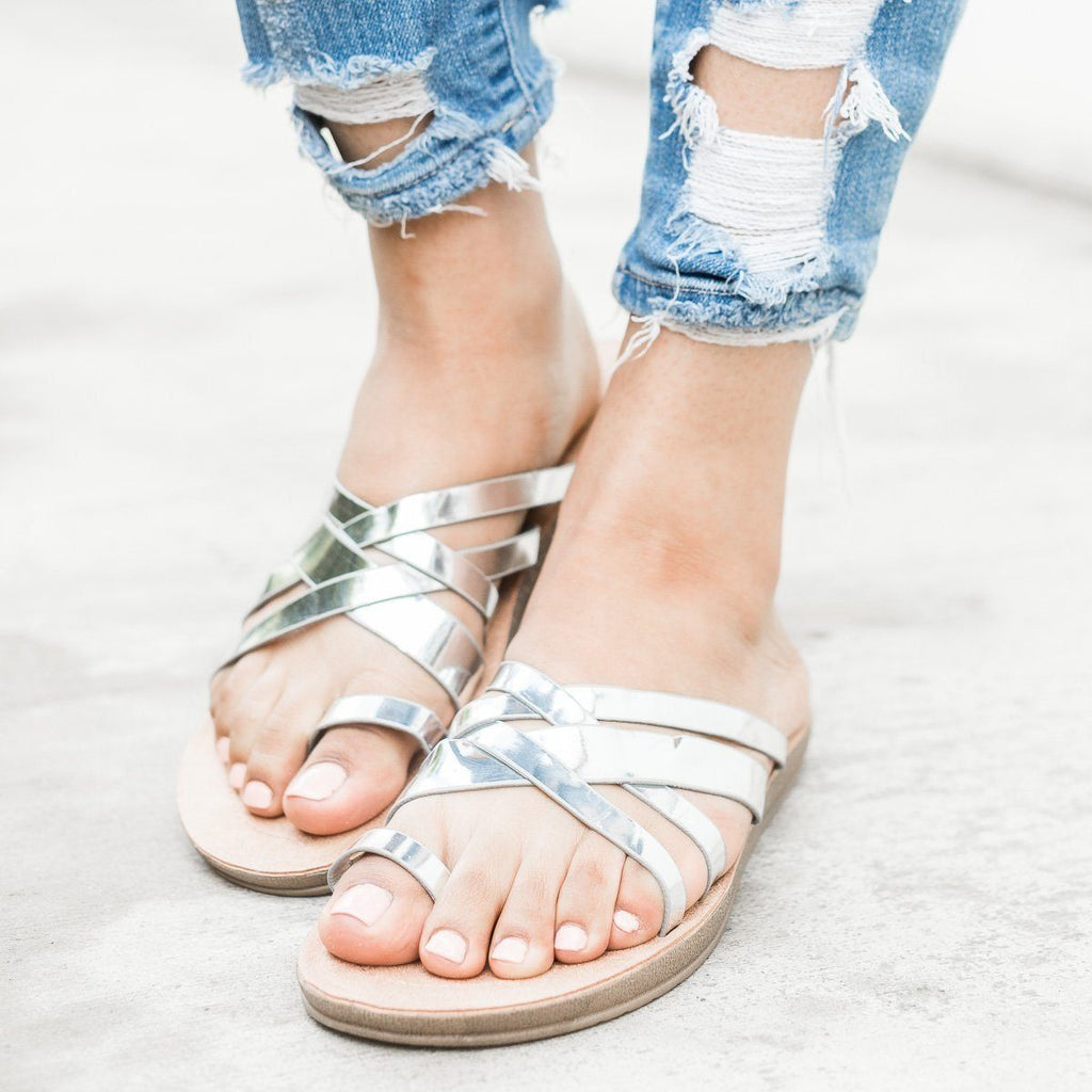 Womens Criss Cross Toe Hold Slip-On Sandals - Forever - Silver / 5