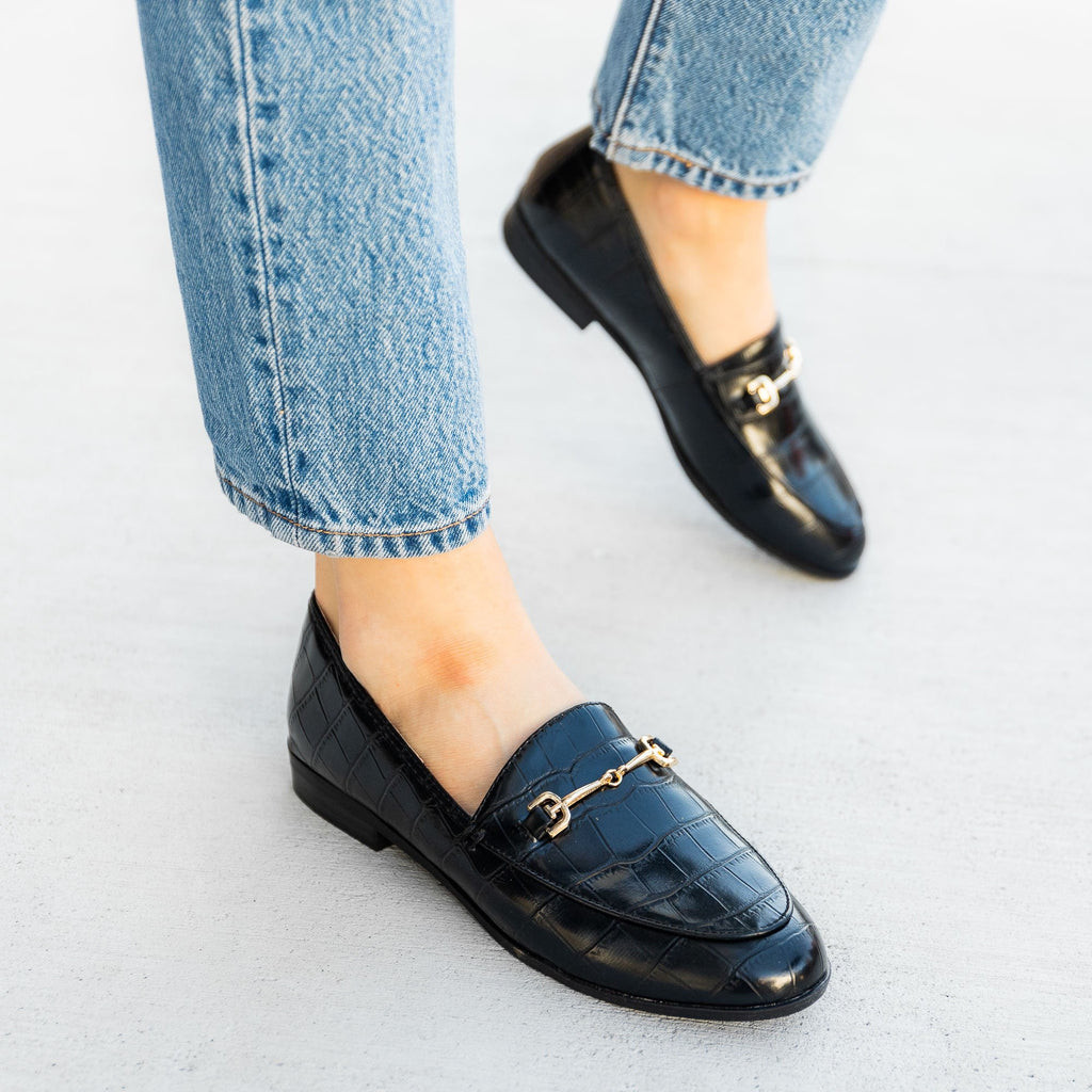Women's Crocodile Low Heel Loafers - Mata