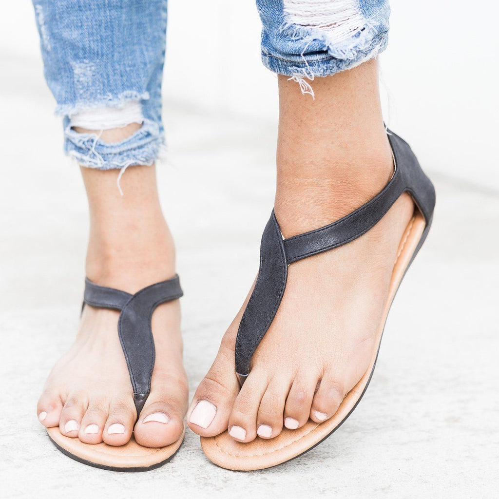 Womens Curvy Strap Thong Sandals - Refresh - Black / 5