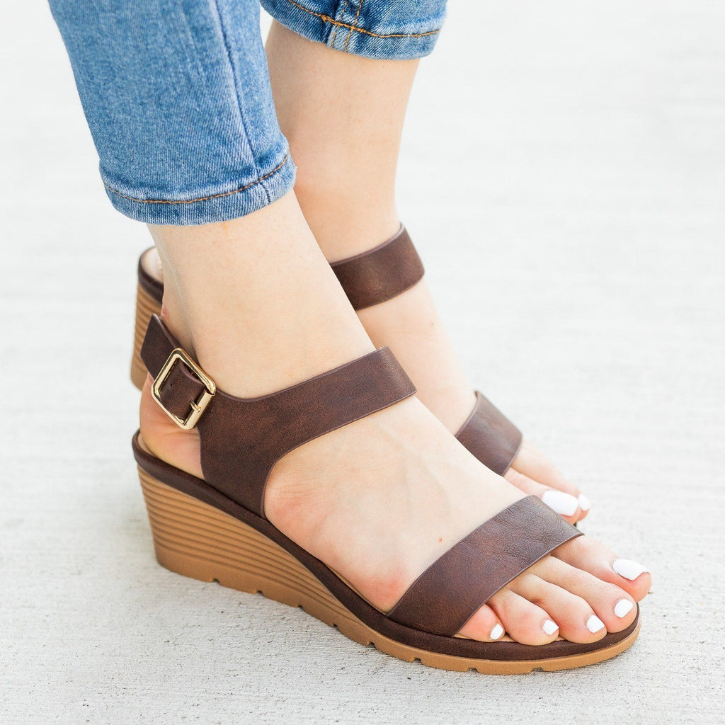 Womens Cushioned Insole Sandal Wedges - Fashion Focus