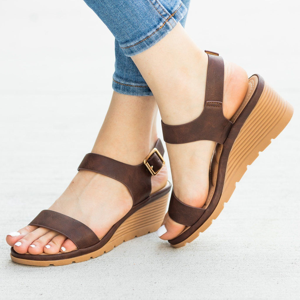 Womens Cushioned Insole Sandal Wedges - Fashion Focus - Brown / 5