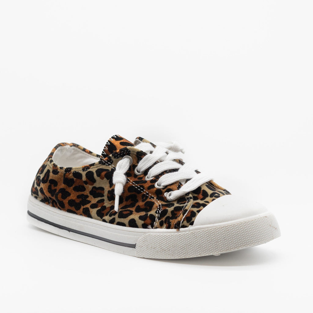 Womens Cute and Sporty Comfort Sneakers - Forever - Leopard / 5