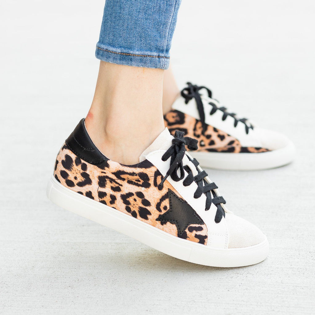 Womens Edgy Leopard Print Sneakers - Nature Breeze - Leopard Black / 5