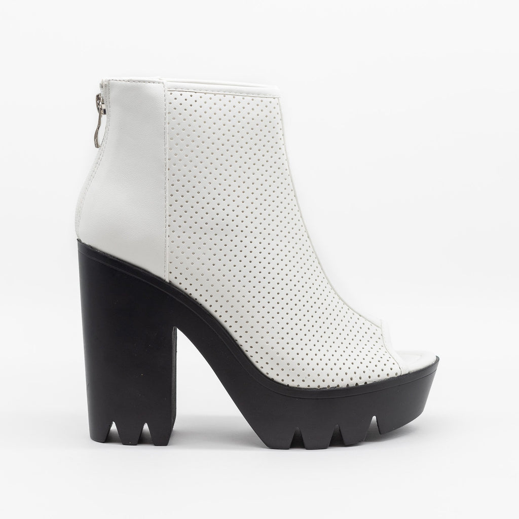 Womens Edgy Pinhole Platform Lug Sole Heels - Qupid Shoes - White / 5