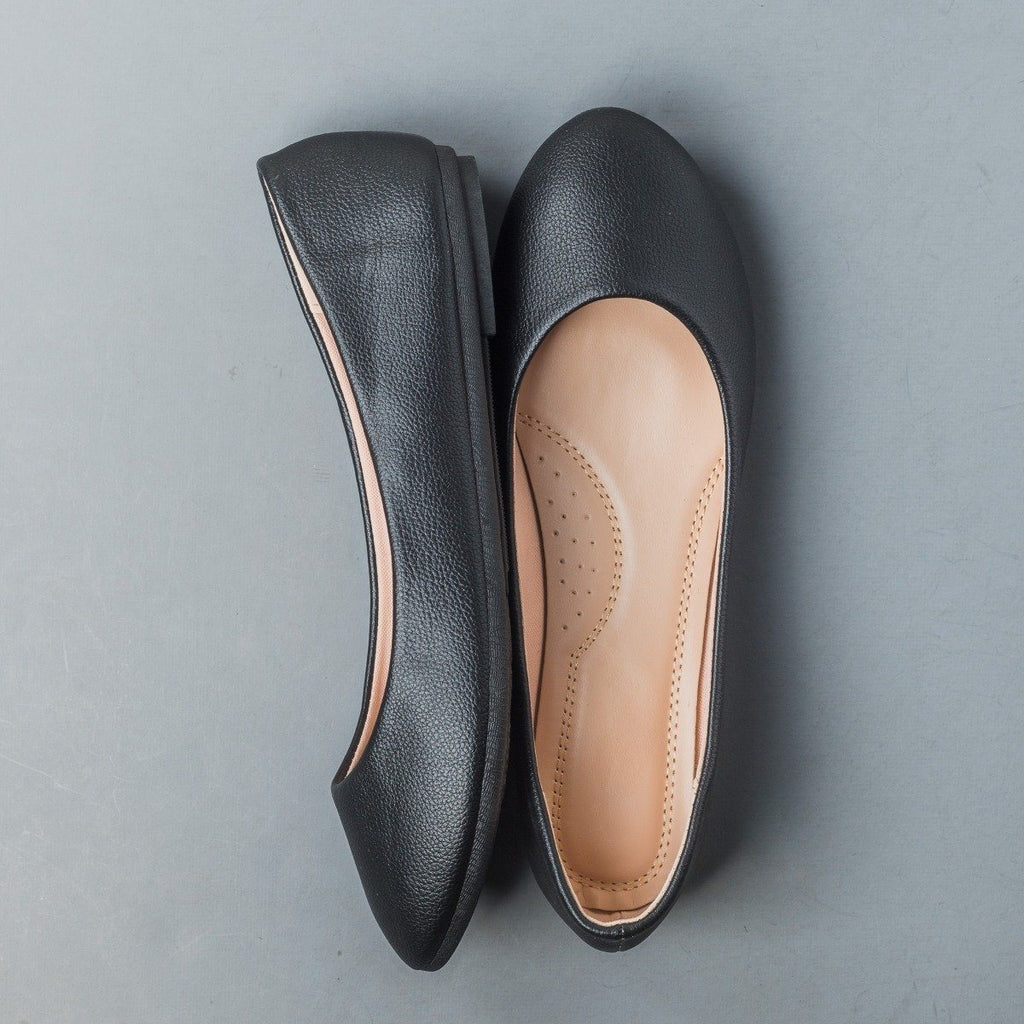 Womens Essential Everyday Flats - Forever - Black / 5
