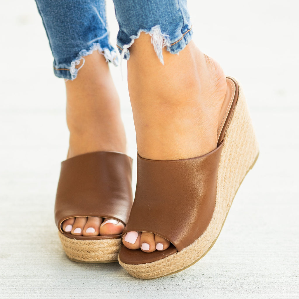 Womens Fashionable Espadrille Mule Wedges - Refresh