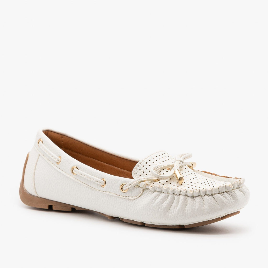 Womens Faux Leather Side Stitched Moccasin Flats - Forever - White / 5