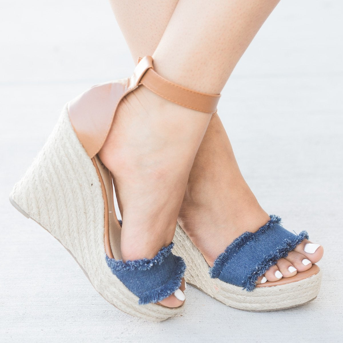 New Women Refresh Miya-02 Frayed Ankle Strap Espadrille Platform Wedge Sandal