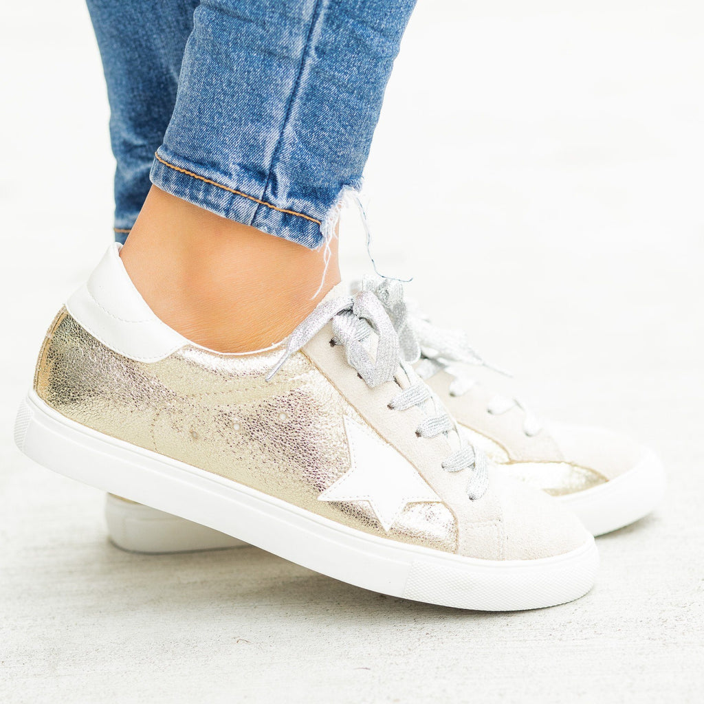 Womens Gorgeous Glitter Fashion Sneakers - Nature Breeze - Metallic Gold / 5