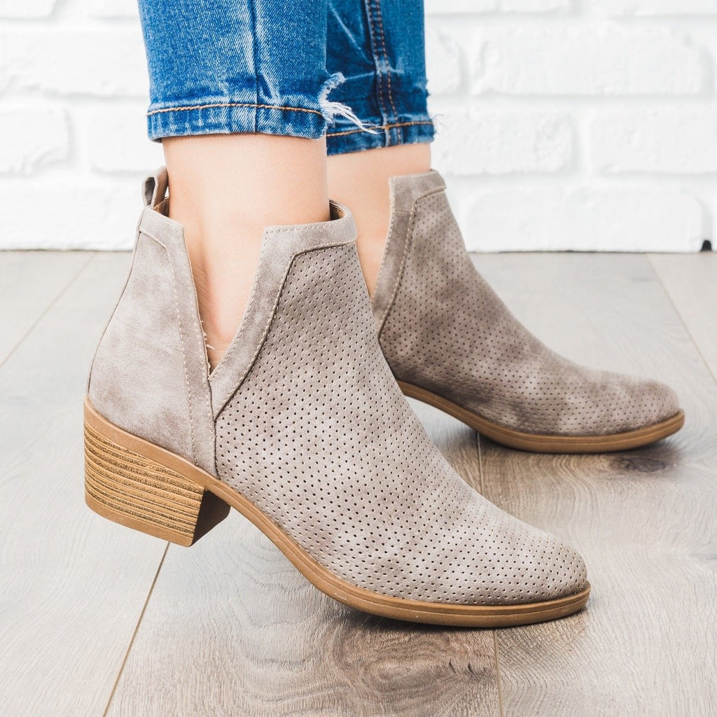 Womens Gorgeous Pinhole Fall Booties - Mark & Maddux