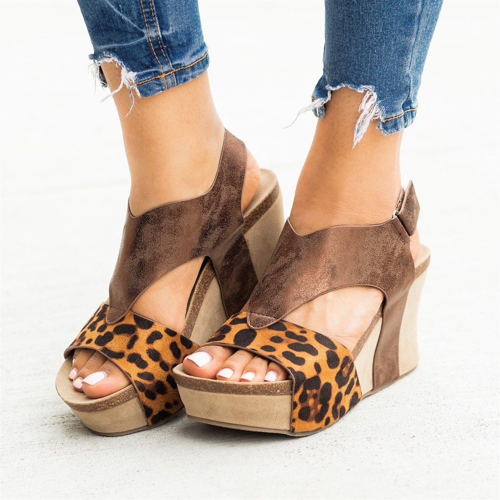 Womens V-Shaped Strap Platform Wedges - Nature Breeze - Leopard / 5