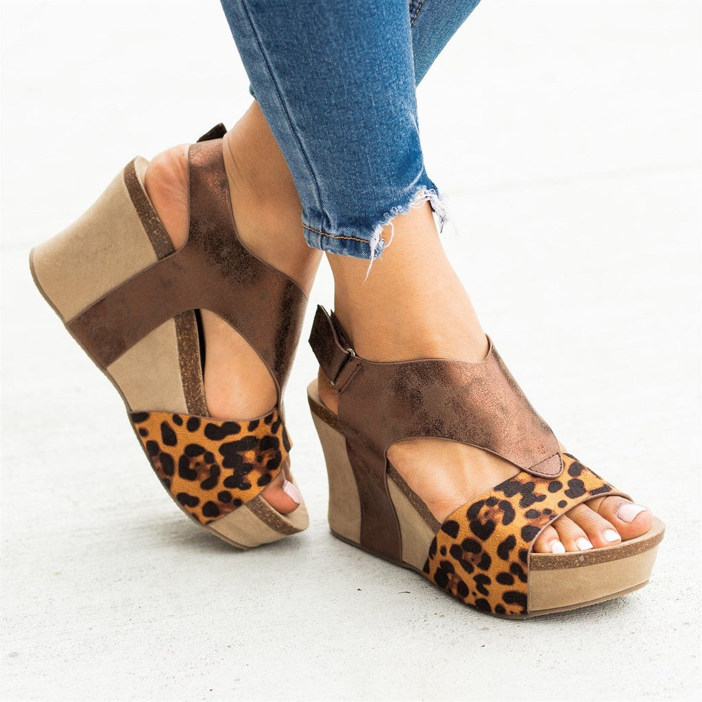 Womens V-Shaped Strap Platform Wedges - Nature Breeze