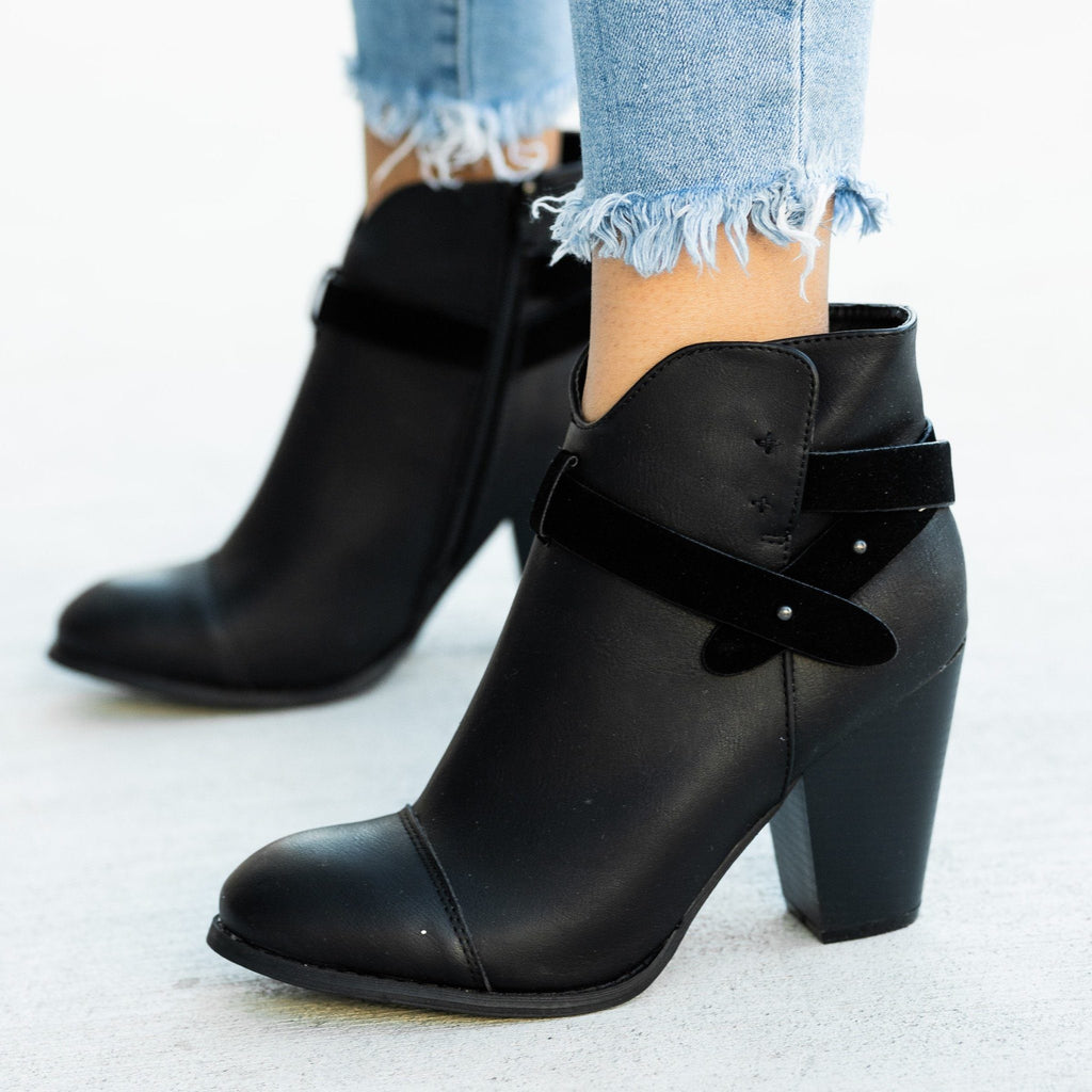 Womens Modern Belt Around Ankle Bootie - Mi.im - Black / 5