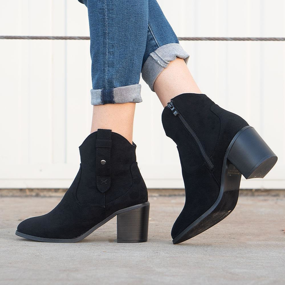 Women's Modern Cowboy Booties - Refresh - Black / 5